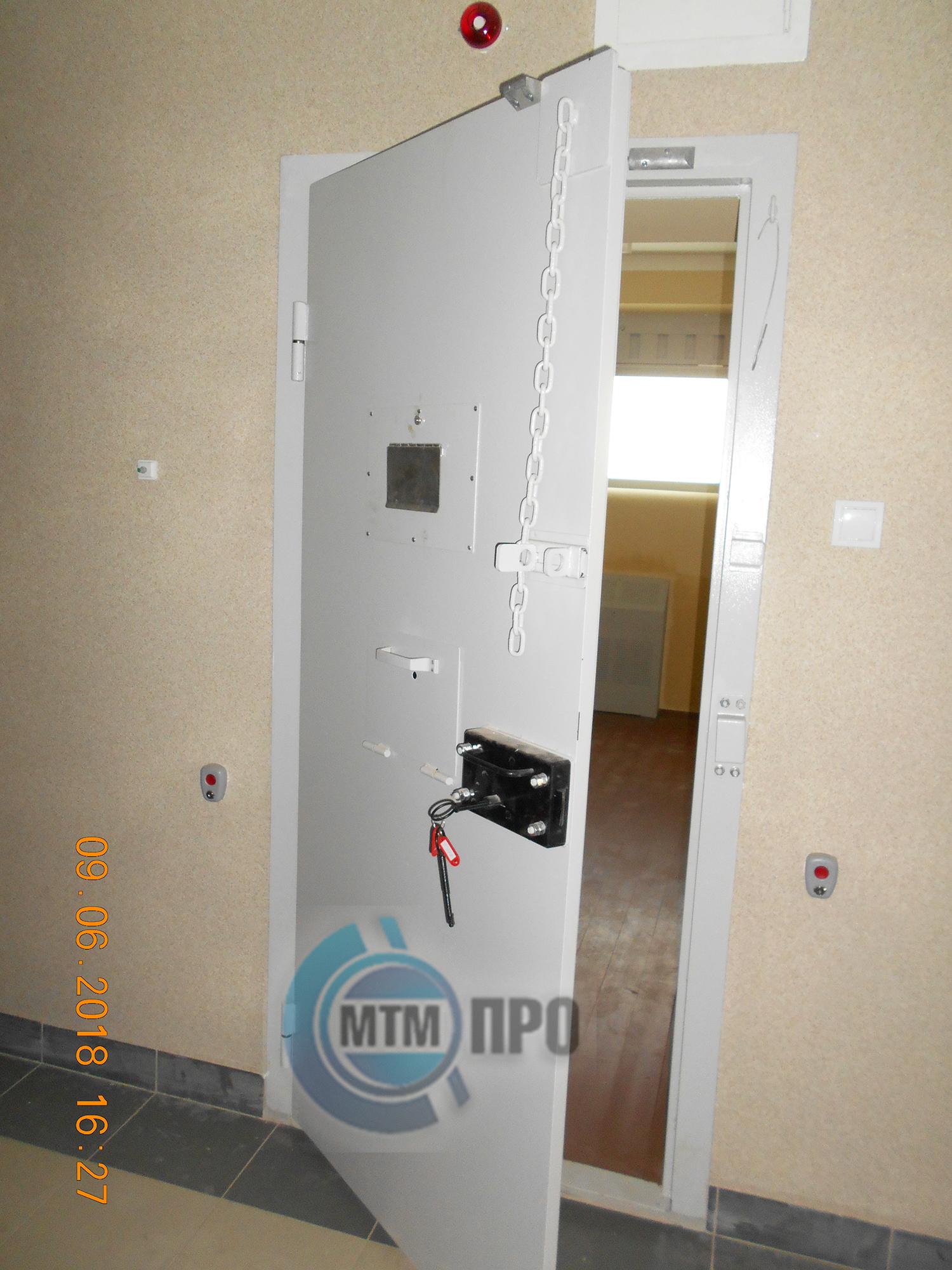 Kamern.dver-2