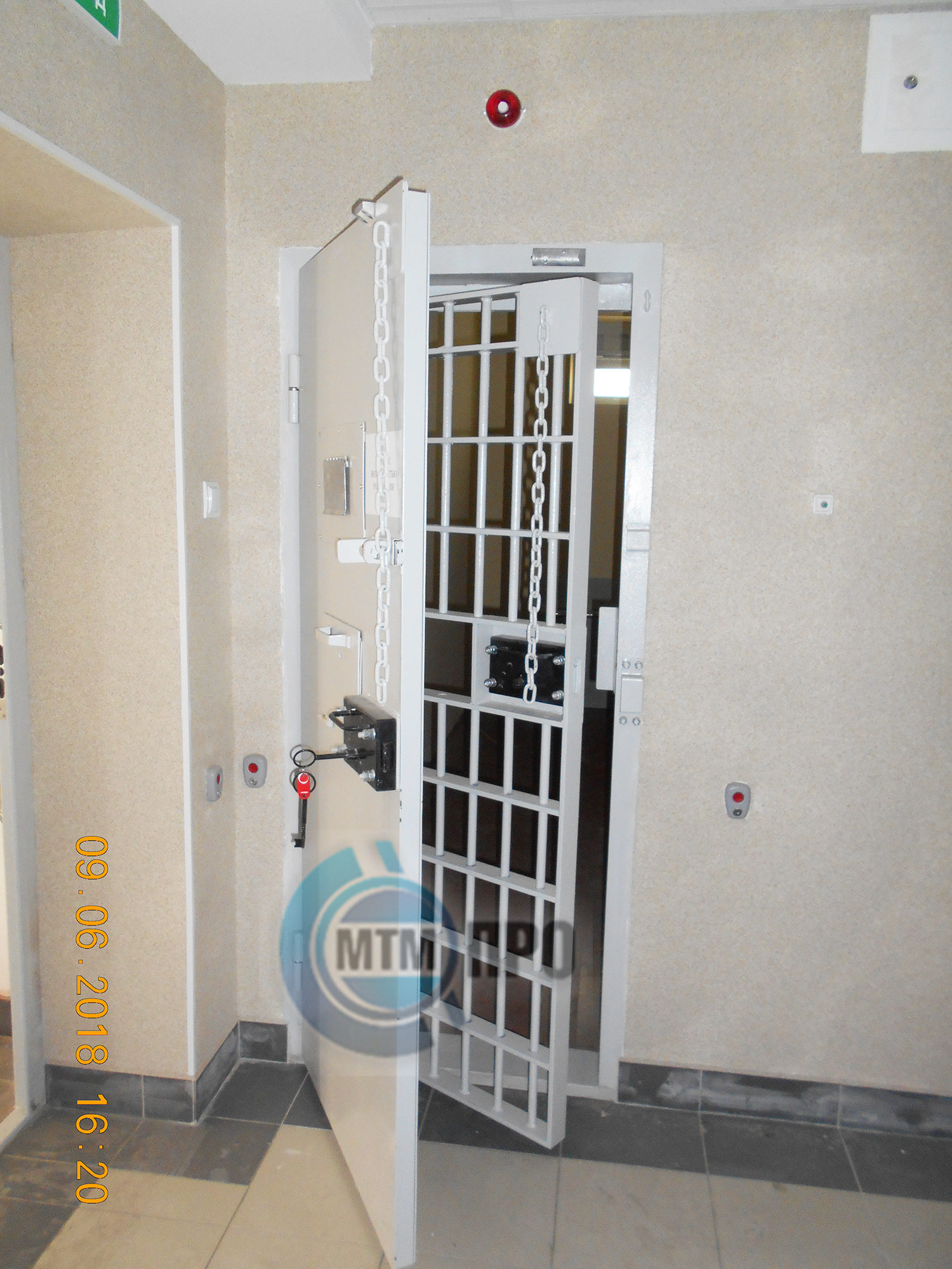 камерная дверь