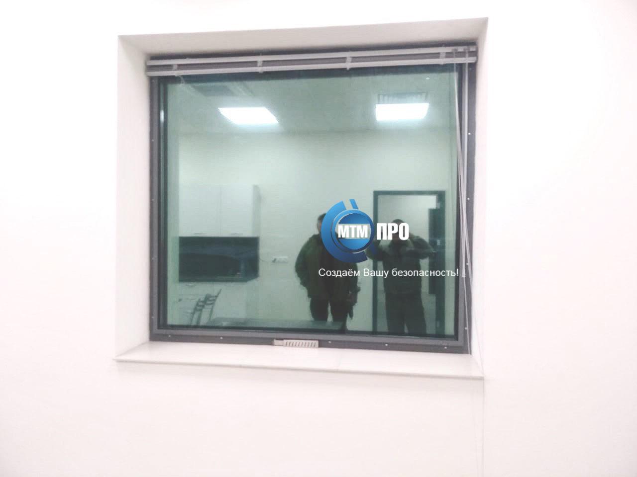 Окно пулестойкое с воздушным клапаном